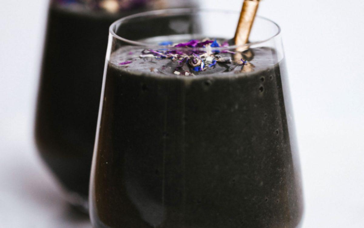 Black detox smoothie