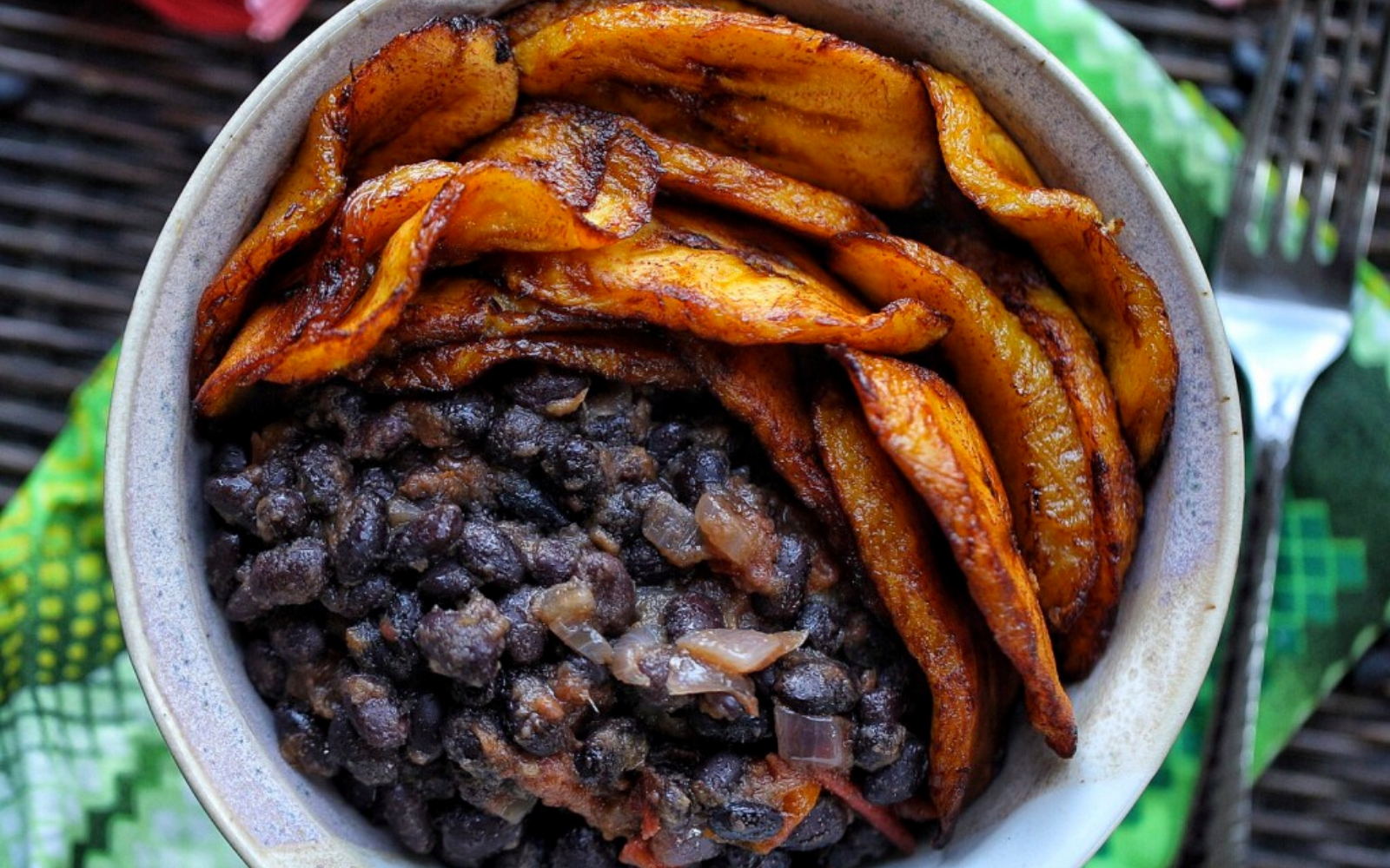 High-Protein Sweet Plantains and Stewed Black Bean Bowl vegan
