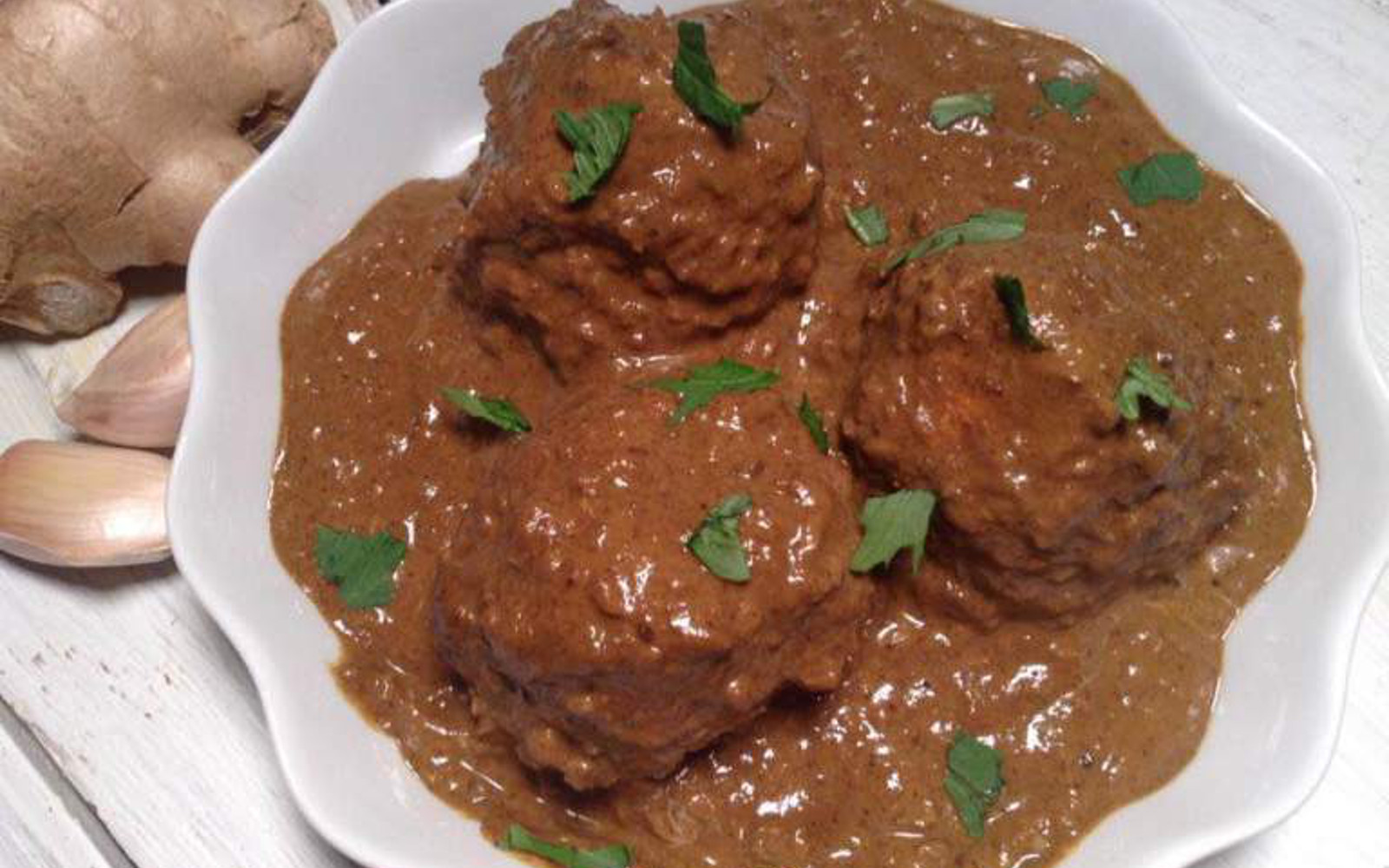 "Vegan Tofu ""Meatball"" Masala with fresh parsley and fresh ginger"