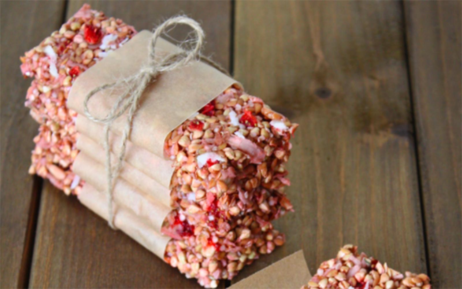 Strawberry Coconut Granola Bars