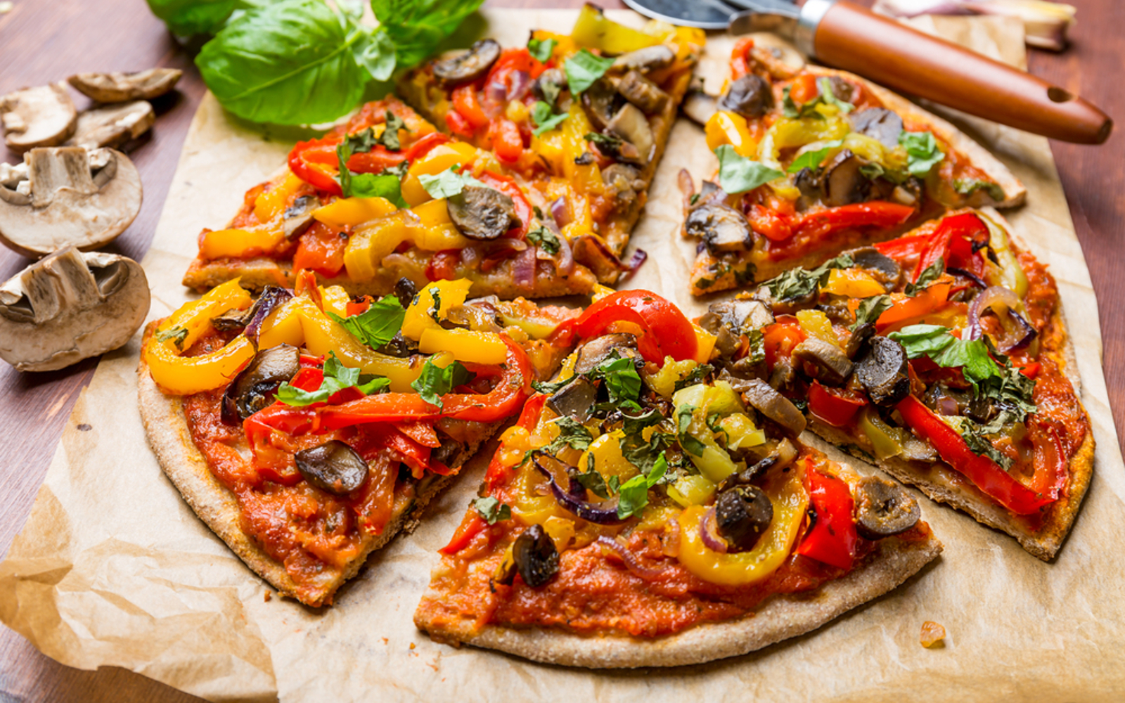 Vegan healthy Pizza with mushrooms and peppers