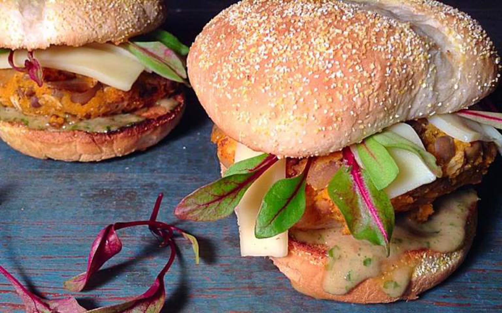 Sweet Potato Cheeseburgers with Peanut Sauce [Vegan, High-Protein]