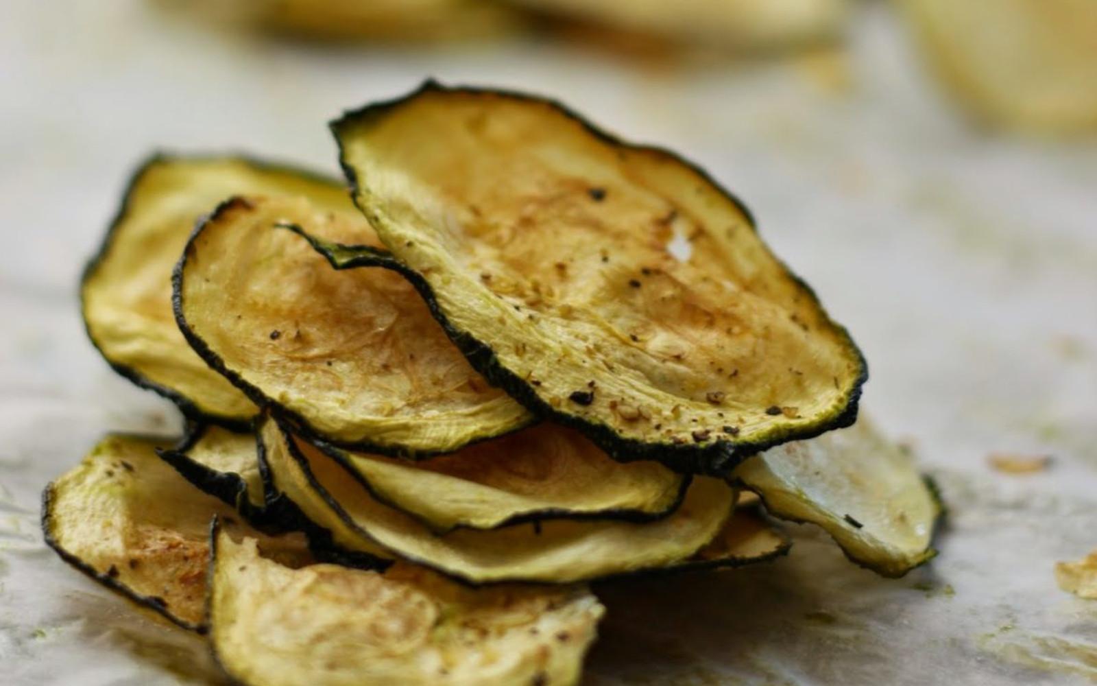 Raw Vegan 5-Ingredient Zucchini Chips