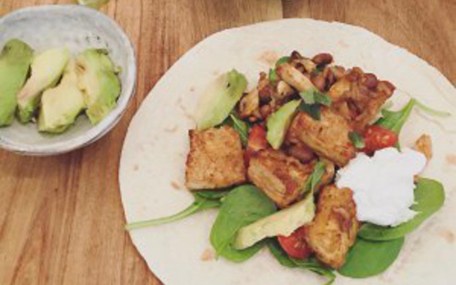 vegan Crispy Tofu and Black Bean Fajitas with vegan sour cream