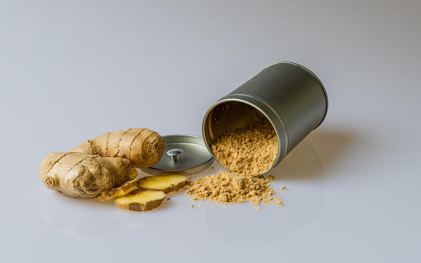 ginger and tumeric powder