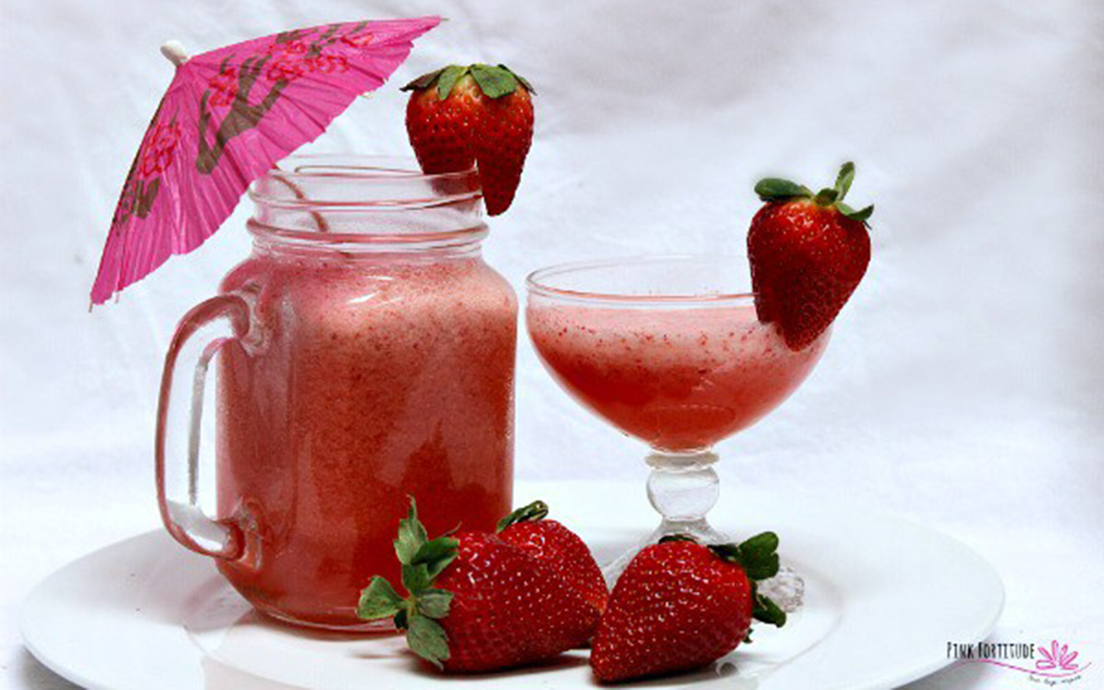 healthy strawberry mocktail