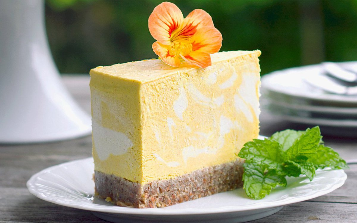 Raw Mango and Turmeric Cheesecake