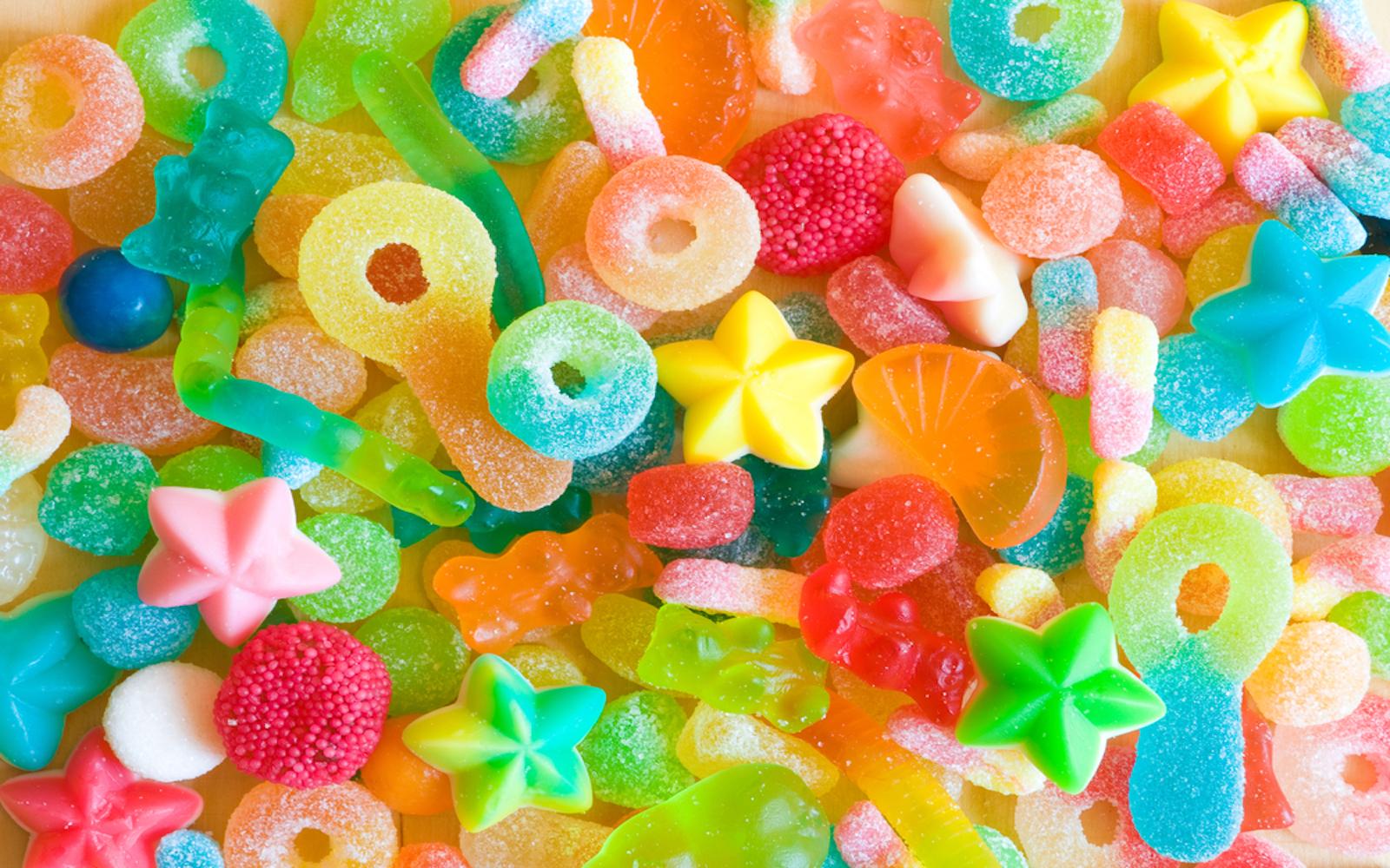 10 vegan gummy snacks