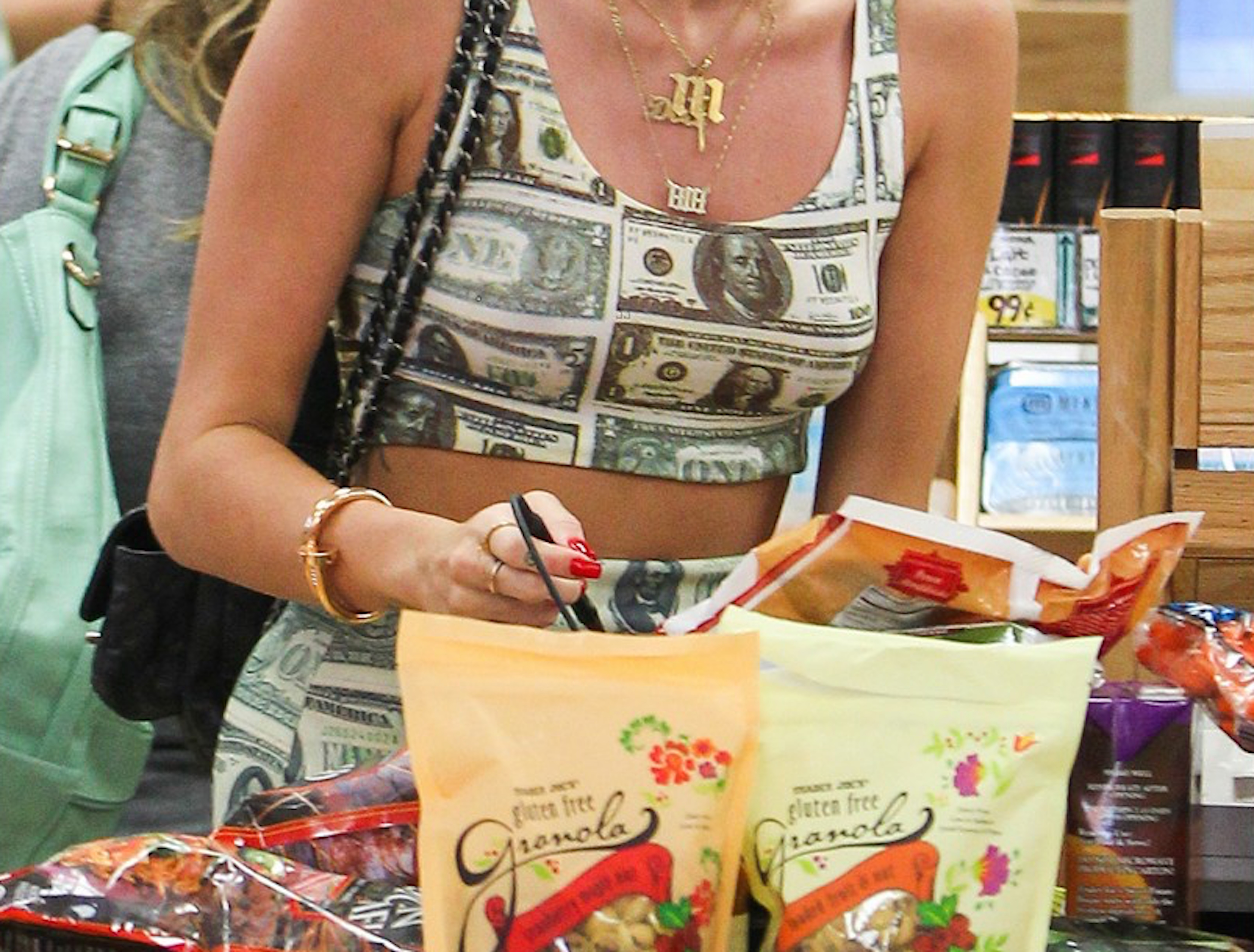 Miley cyrus grocery shopping