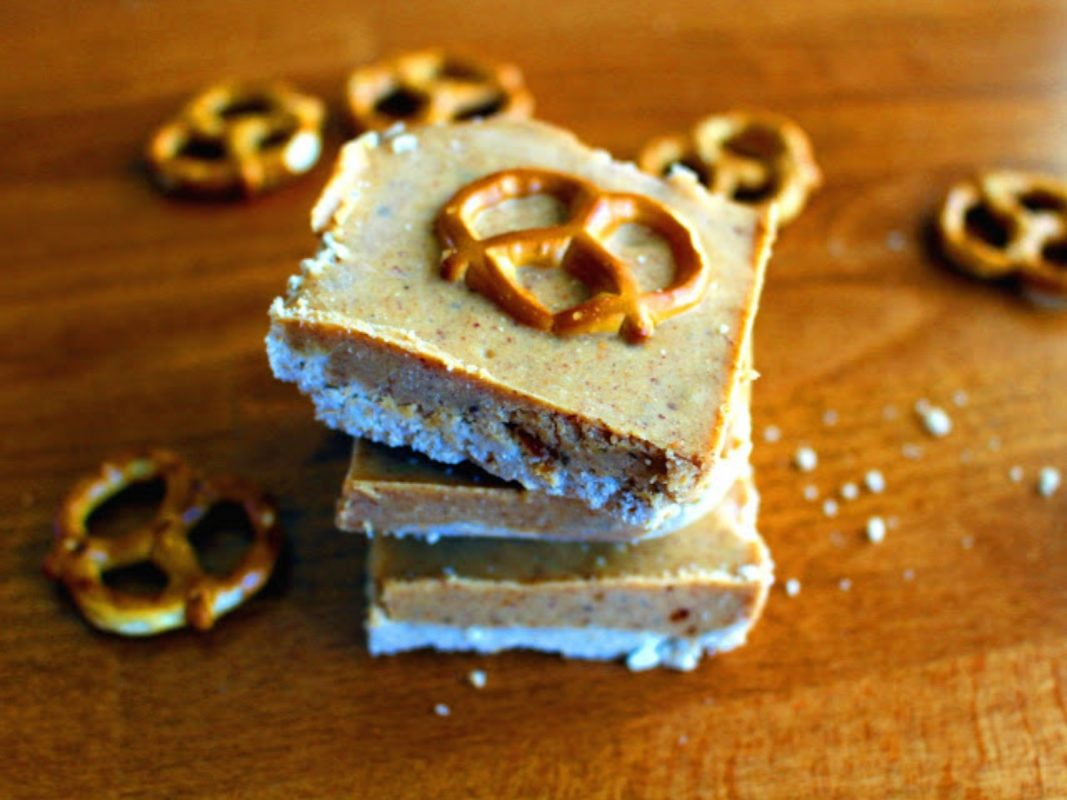 From Chickpea Curry to Peanut Butter Pretzel Bars: Our Top 10 Vegan Recipes of the Day!