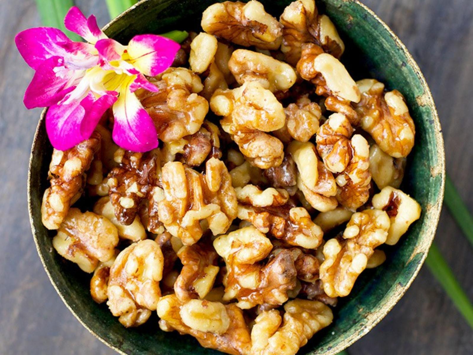 Maple Caramelized Walnuts