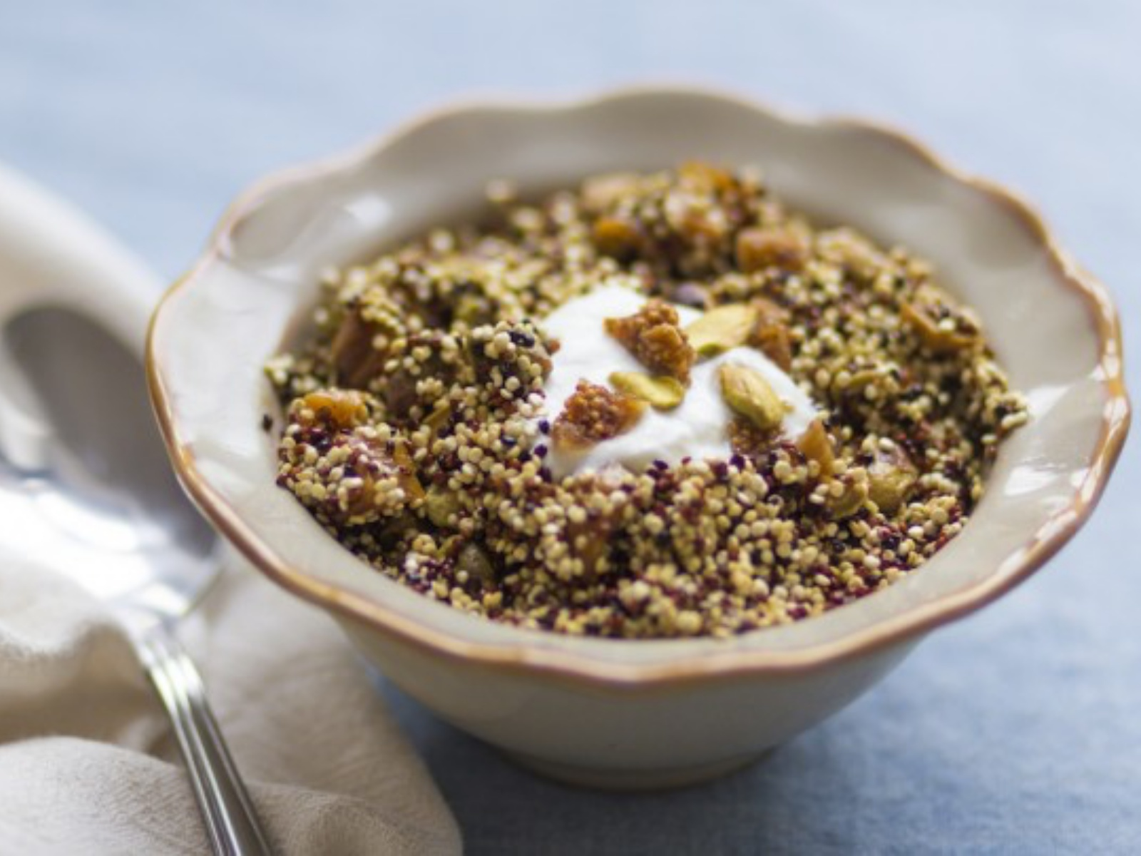 Toasted Quinoa Cereal with Pistachios and Figs