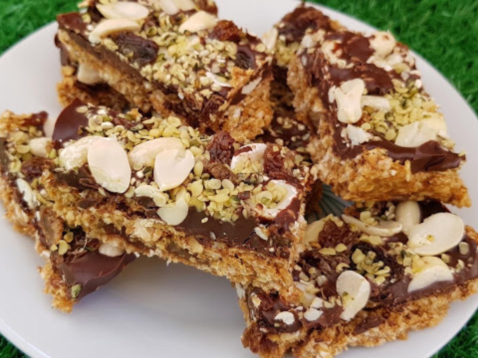 Vegan Chocolate Oatmeal and Nut Energy Bars