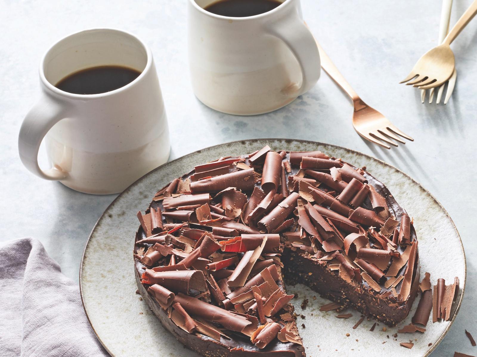vegan no bake chocolate espresso fudge cake
