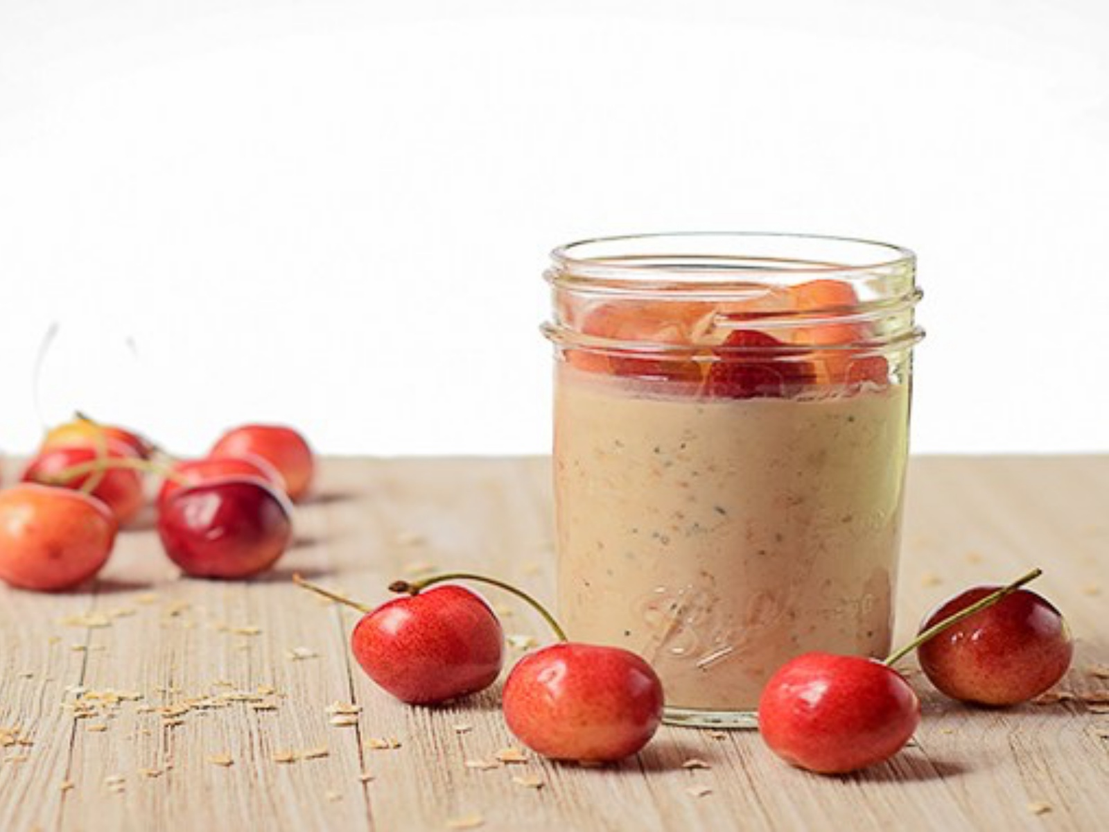 Cherry Vanilla Overnight Oatmeal