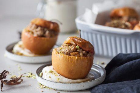 Cinnamon Baked Apples [Vegan]