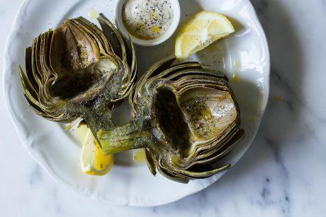 Artichokes with Garlic and Black Pepper Aioli [Vegan]