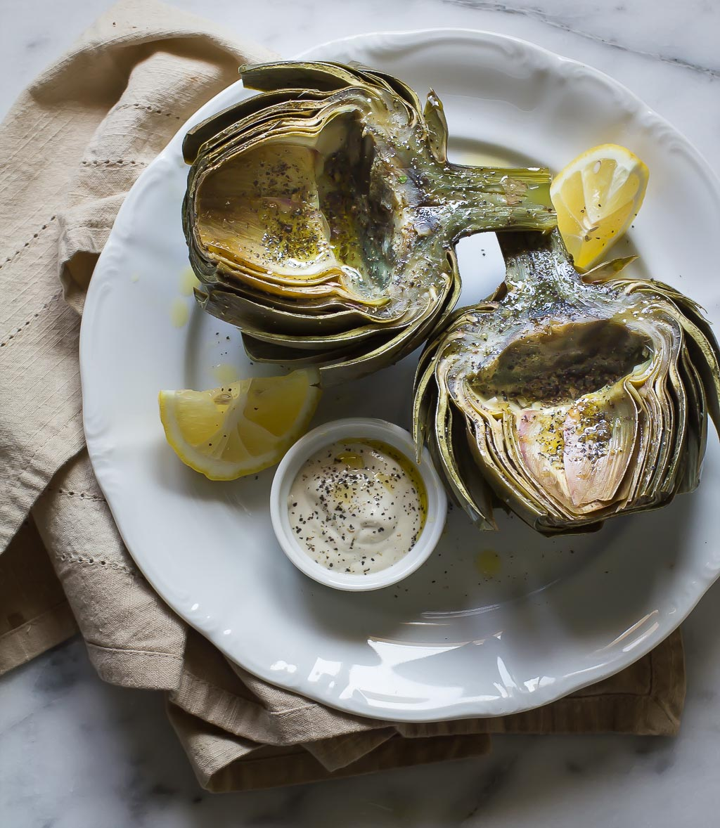 Vegan, Fiber-rich Artichokes with Garlic and Black Pepper Aioli