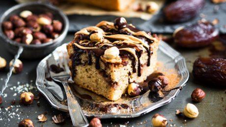 Cinnamon Roll Cake with Cinnamon Medjool Date Swirls [Vegan]