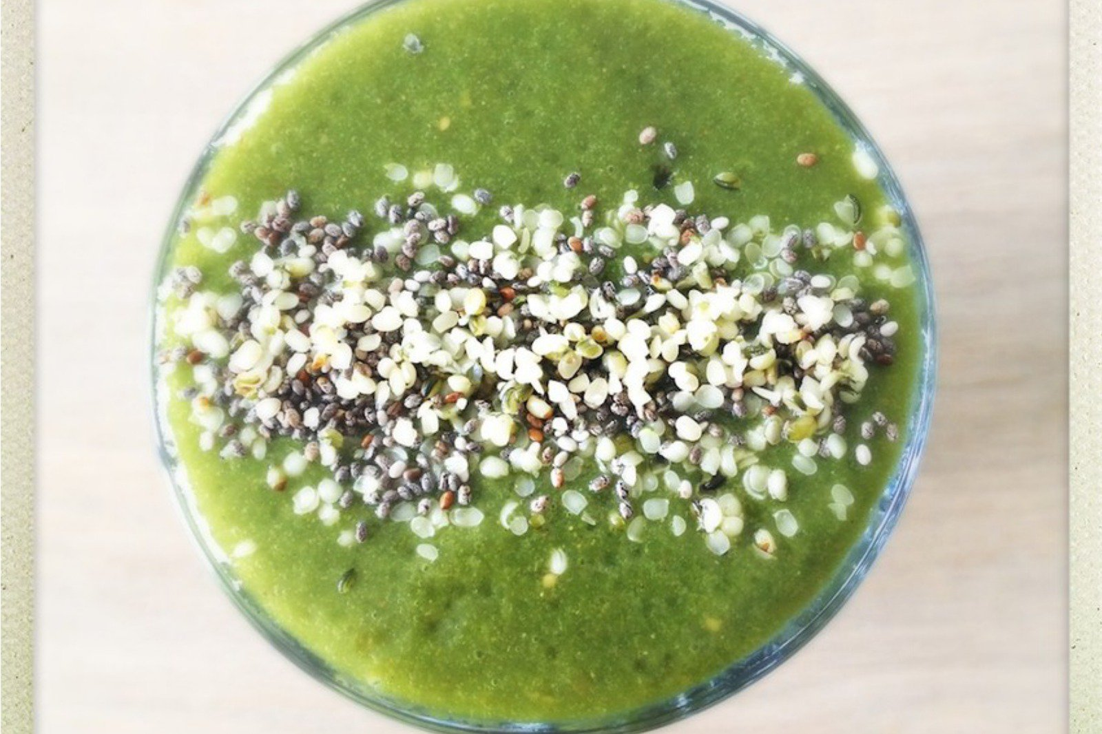 green superfood detox smoothie