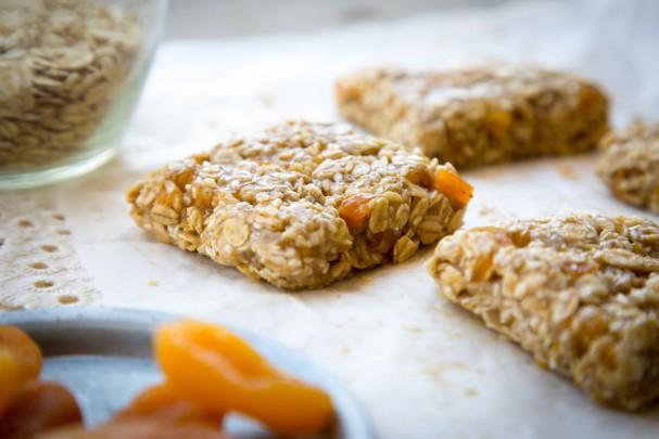 No-Bake Apricot Granola Bars [Vegan, Gluten-Free]
