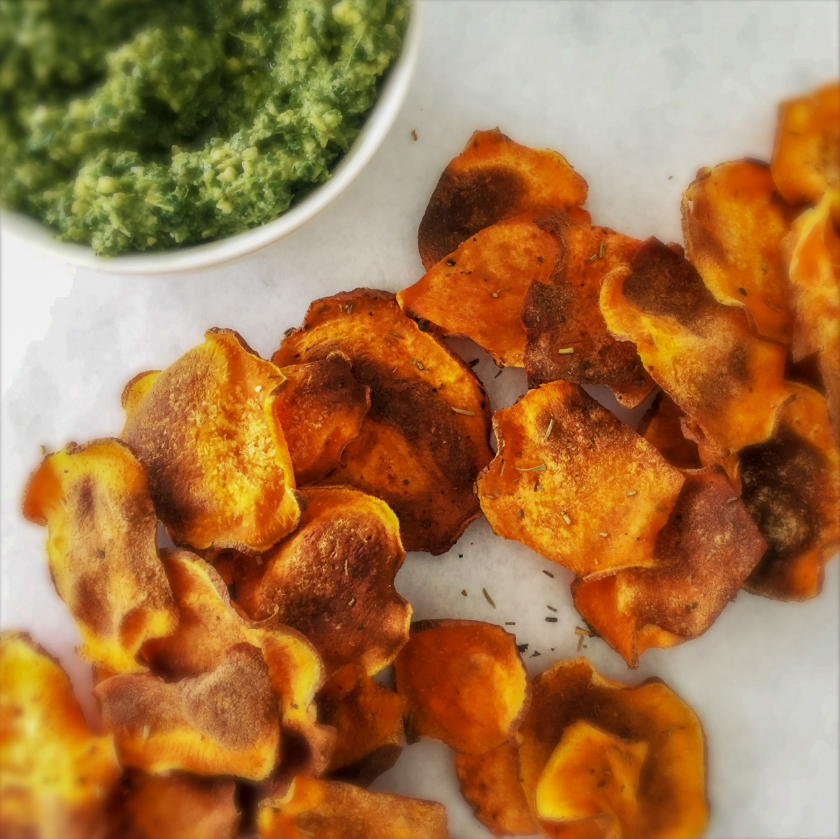Oven-Baked Sweet Potato Chips With Kale Peso [Vegan, Paleo]