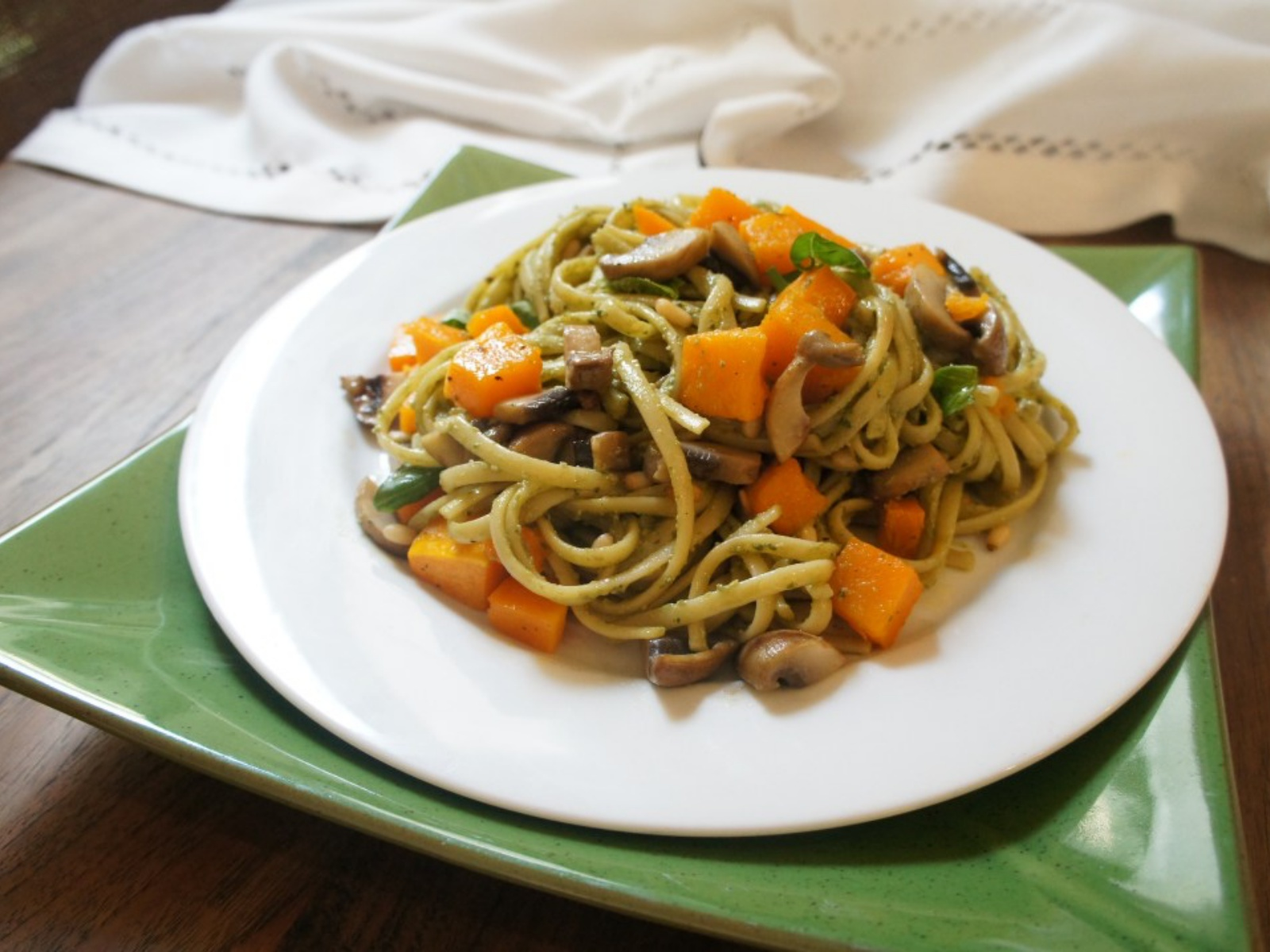 Linguine with Mushroom and Avocado Pesto