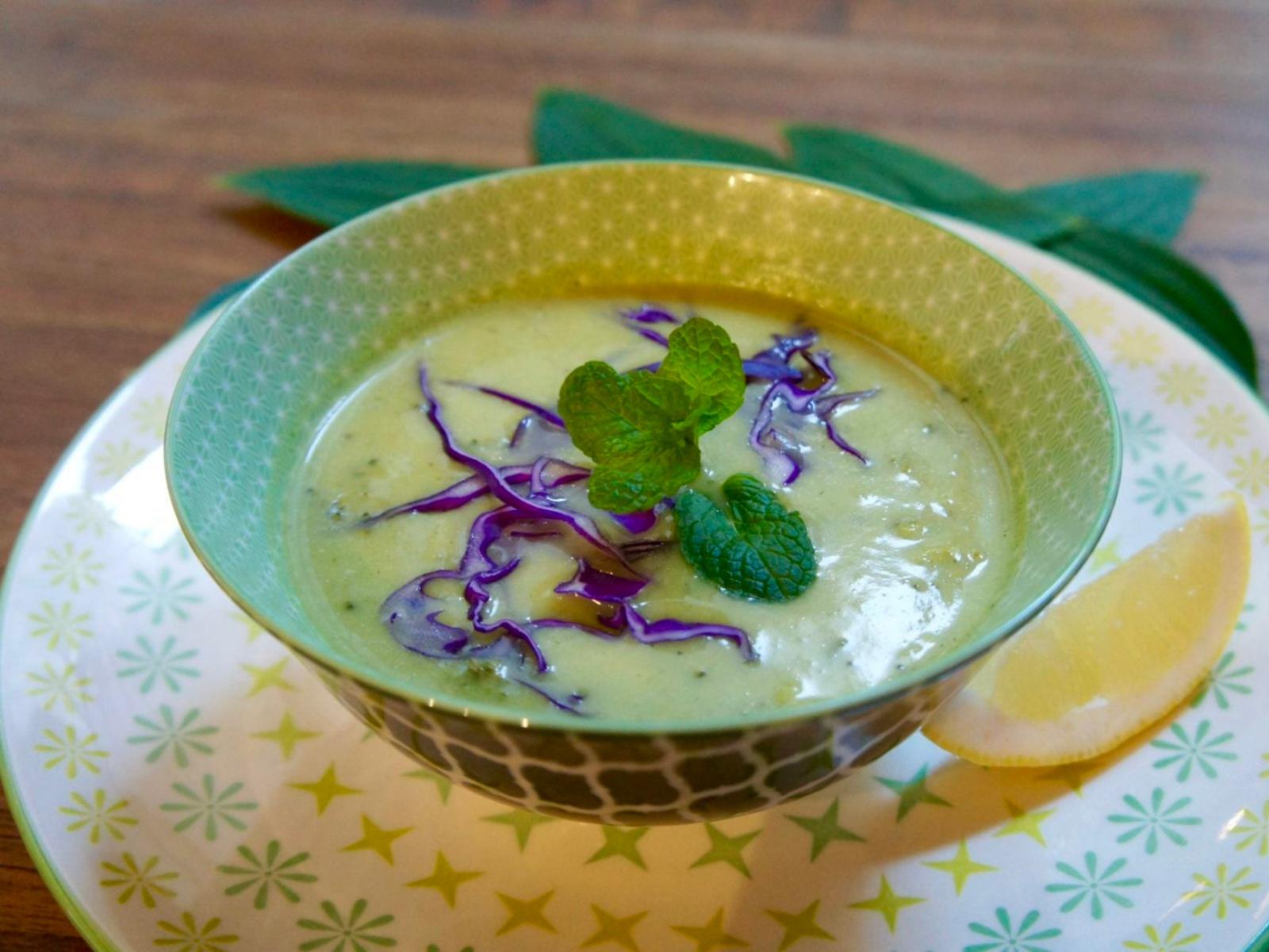 Vegan Zucchini and Broccoli Soup