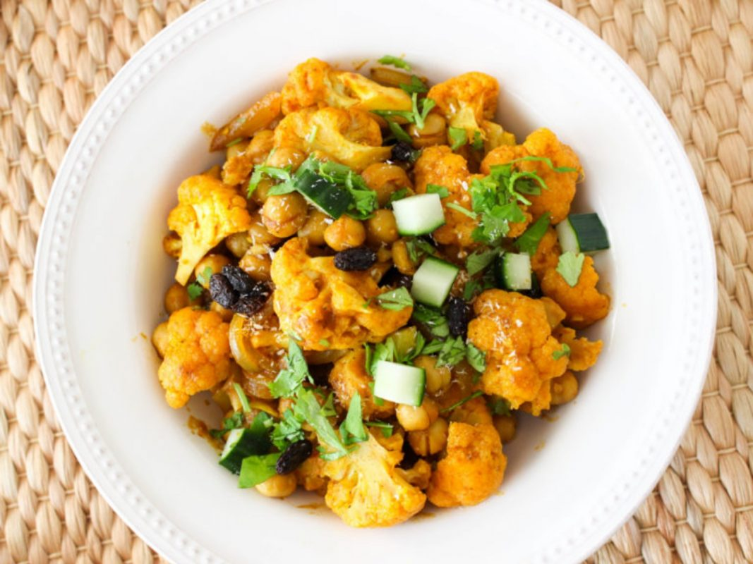 Vegan chickpea and cauliflower curry