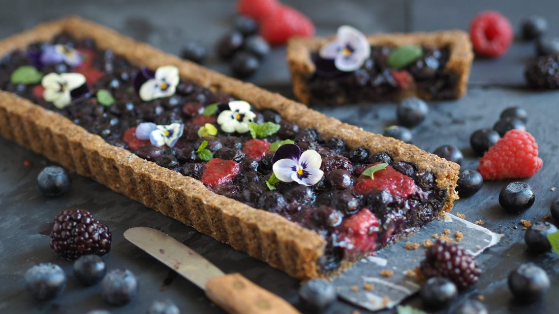 Gluten-Free Berry Pie With Juicy Filling