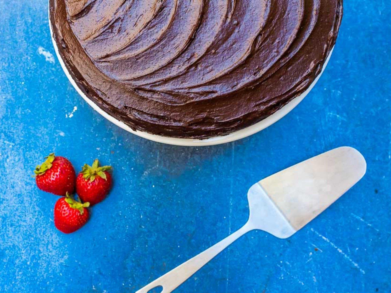 vegan chocolate cake with creamy chocolate frosting