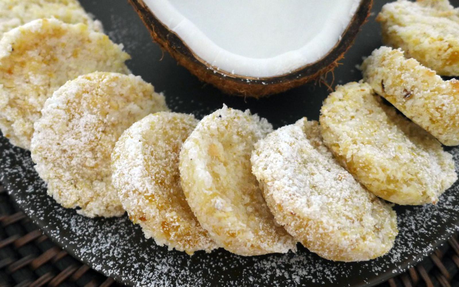 Beju: Nigerian coconut cookies