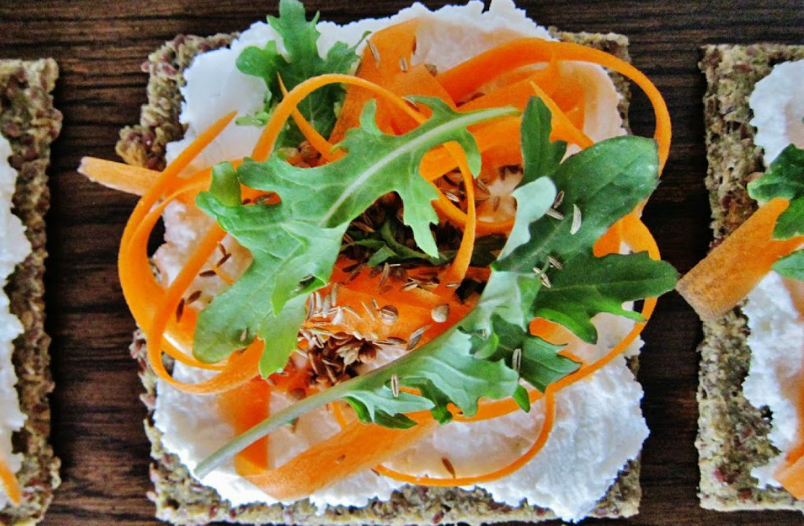 "Carrot Flatbread With Vegan Coconut ""Chèvre"""