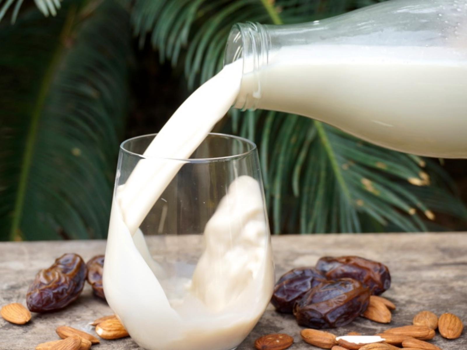 Almond vanilla milk