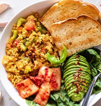 easy and quick tofu vegan egg scramble