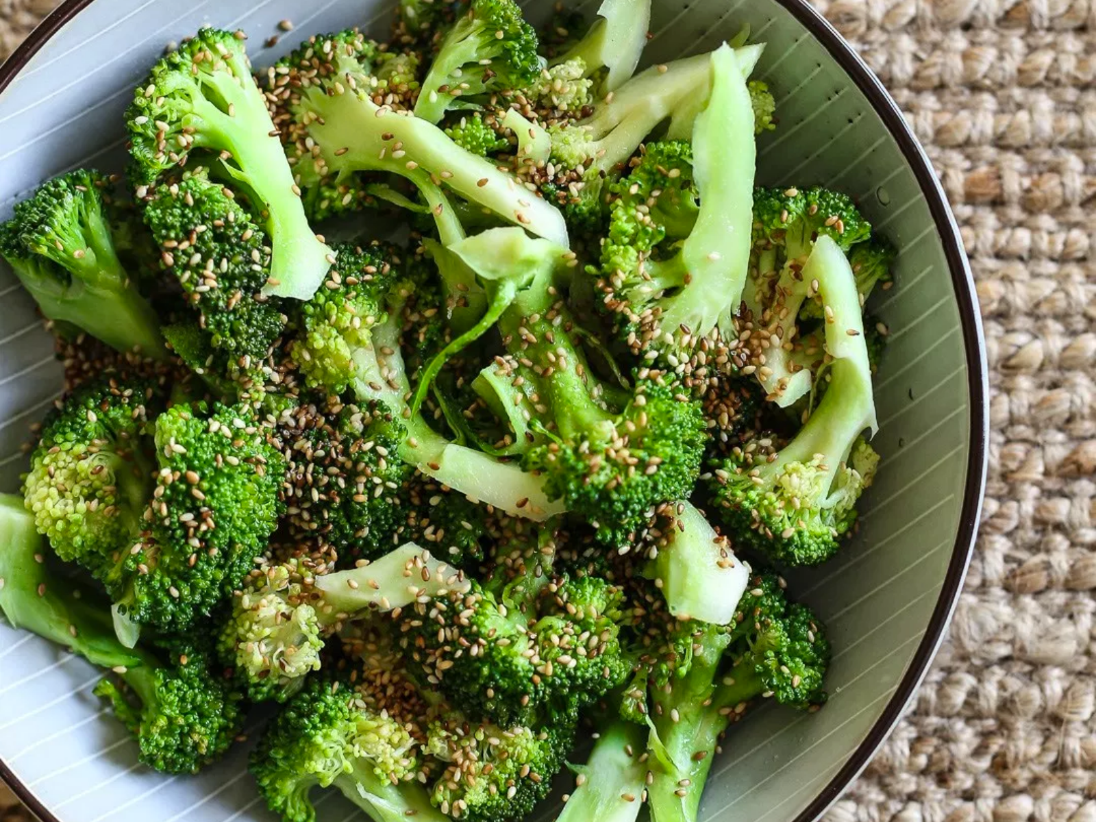 Vegan Steamed broccoli with sesame seeds