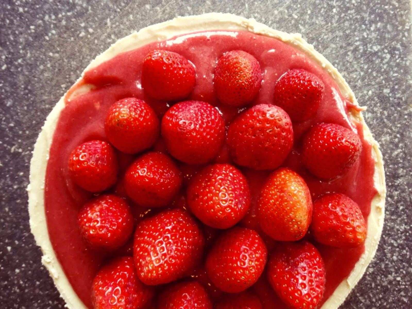 Raw Cheesecake With Strawberry Compote