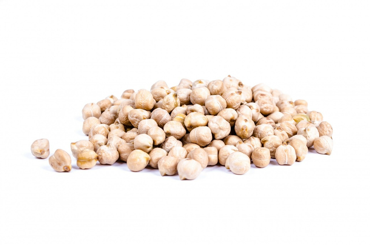 Chickpeas on an isolated background