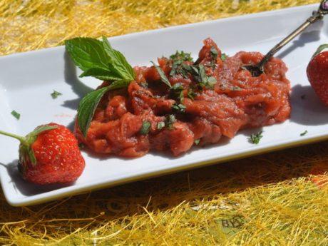 A tangy rhubarb chutney