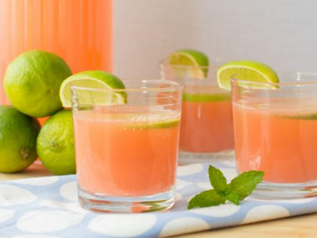 A fizzy and refreshing pink lemonade