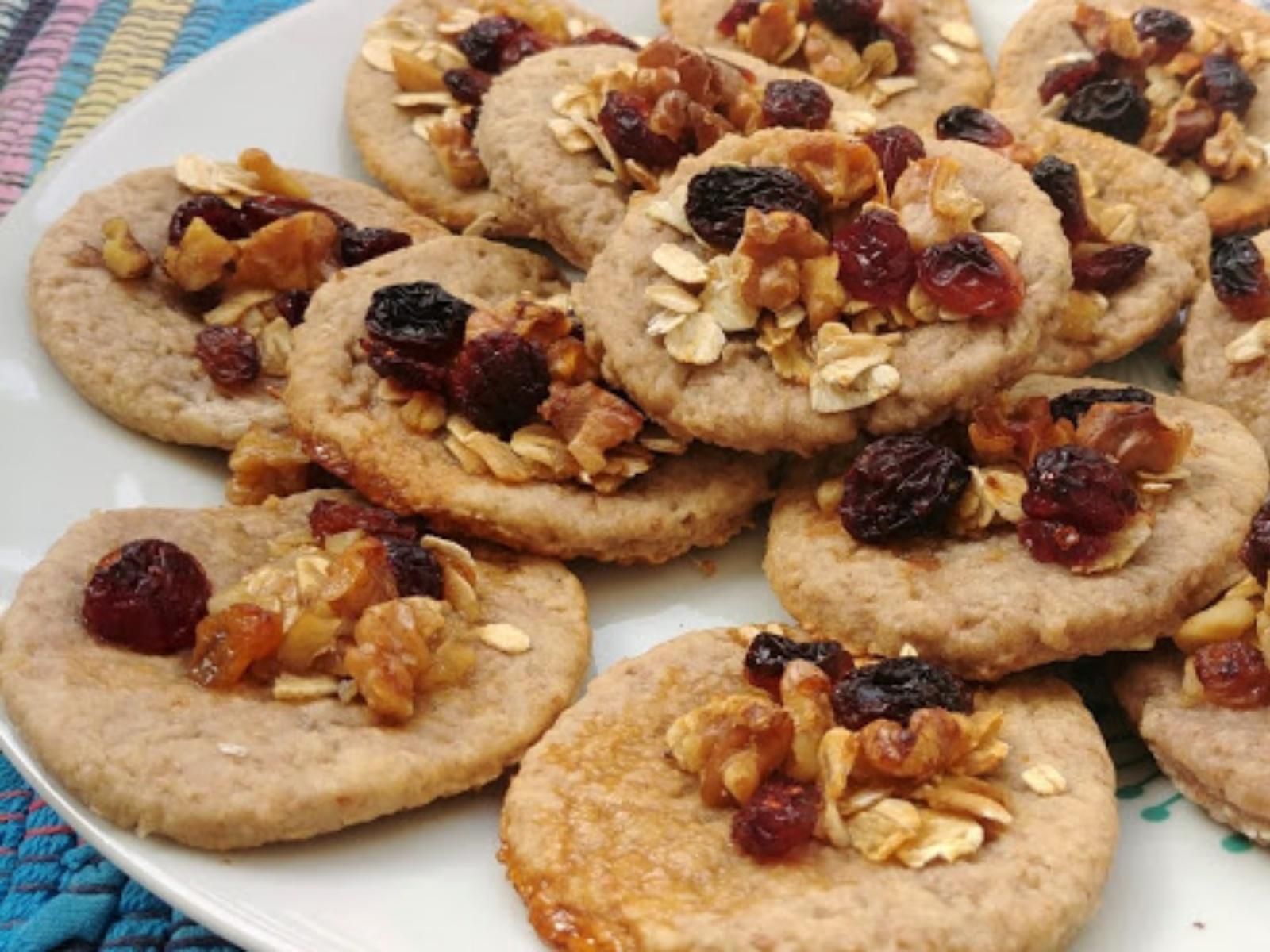 Vegan white bean and walnut cookies