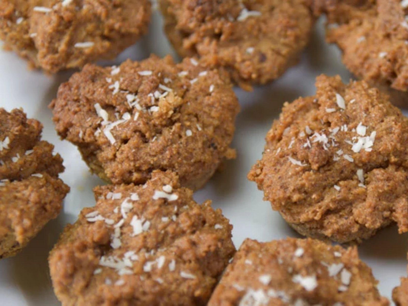 Easy coconut vegan muffins