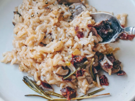 creamy vegan mushroom risotto with dried cranberries