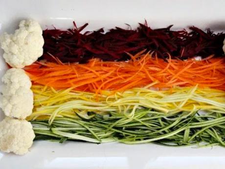 Rainbow zoodles with cauliflower