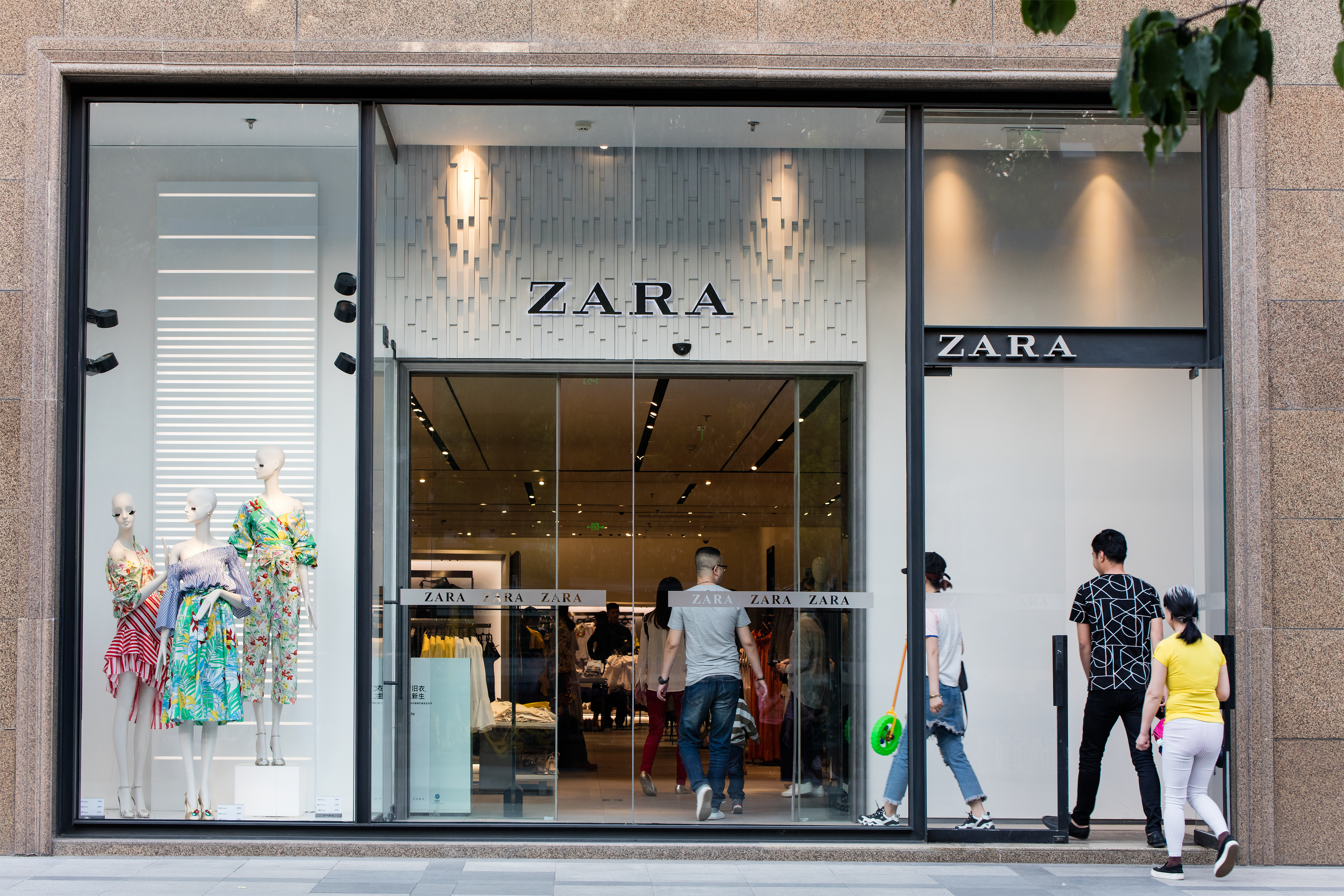 zara pledging sustainable clothes by 2025