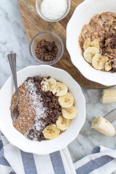 Vegan zucchini oats with cocoa