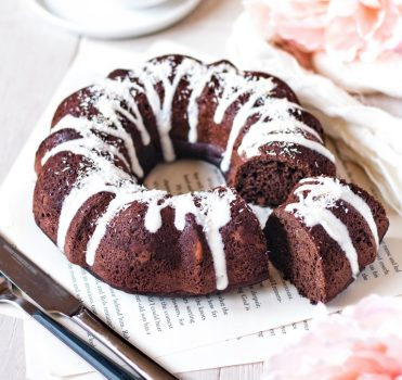 vegan moist and light chocolate bundt cake