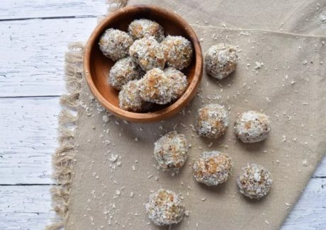 almond cashew coconut energy bites