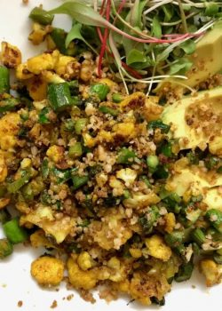 cauliflower scramble with asparagus