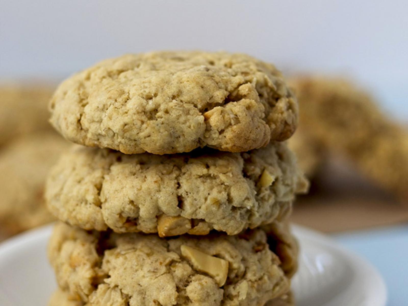 Vegan Cashew Butter Oat Cookies